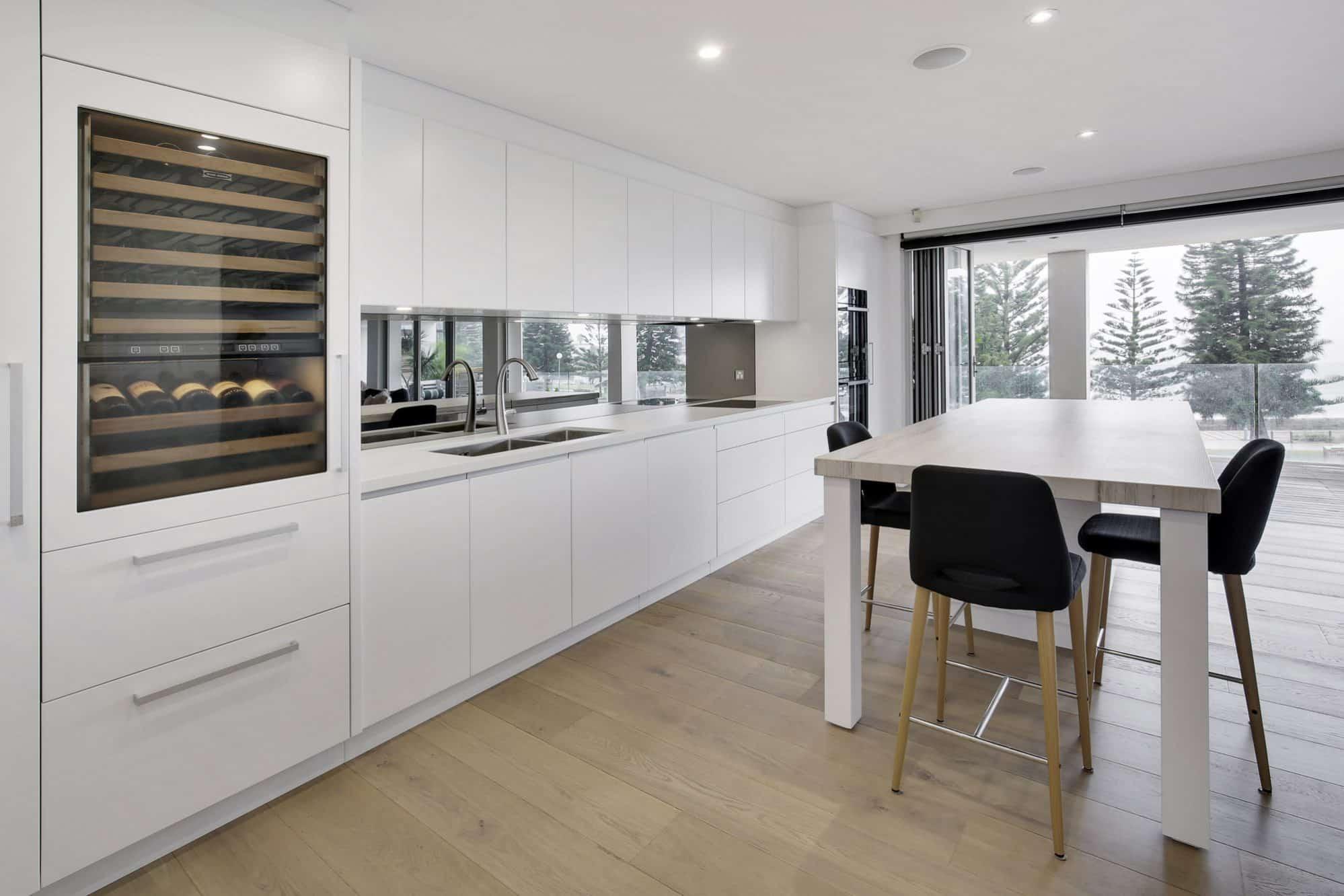 Coogee Beach Apartment Kitchen 004