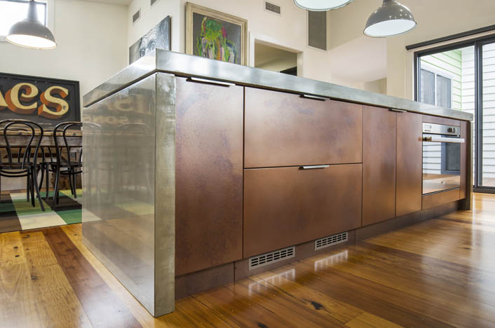 Kitchen doors made of copper from Axolotl