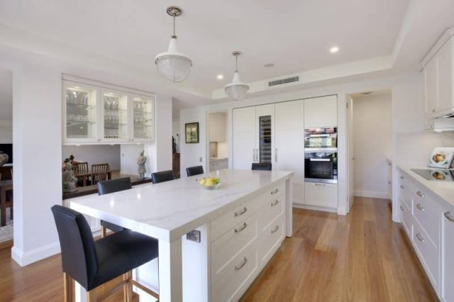 Cremorne Apartment shaker kitchen