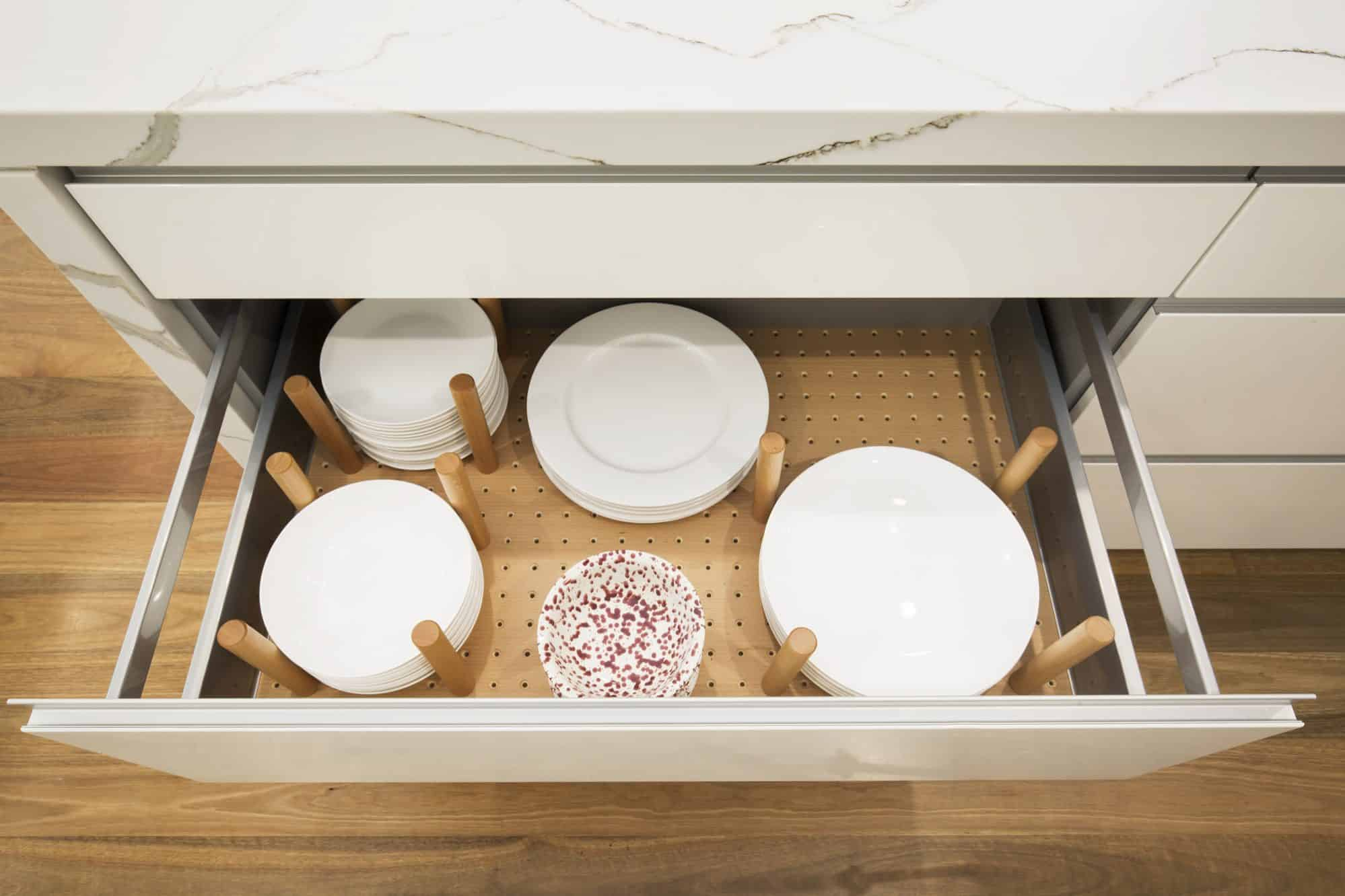 Timber peg plate drawer